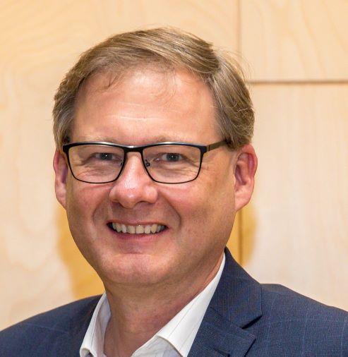 Hr. Mag. Hubert MAYRHOFER